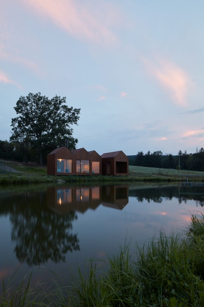 Chata u rybníka 16