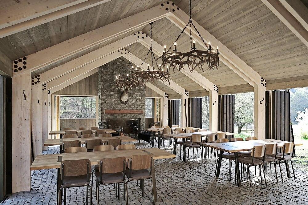 poľovnícky dom interiér