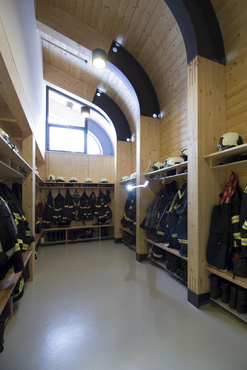 hasicska zbrojnice interier