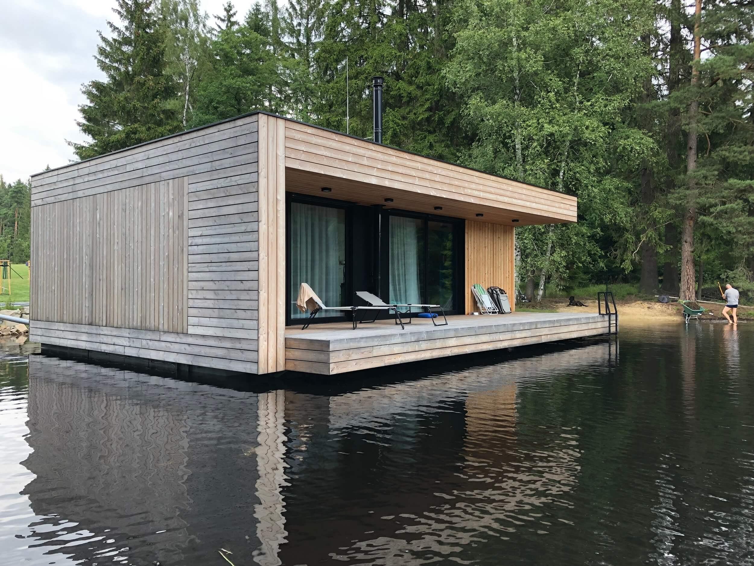 plávajúci víkendový dom
